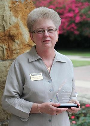 Cheryl Mangrum with NABEP award for web